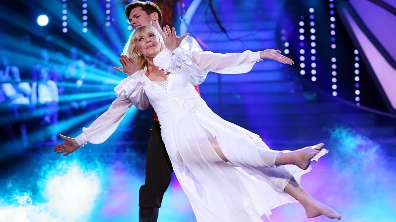 Lets Dance 2014: Tanja Szewczenko tanzt einen Jive in der