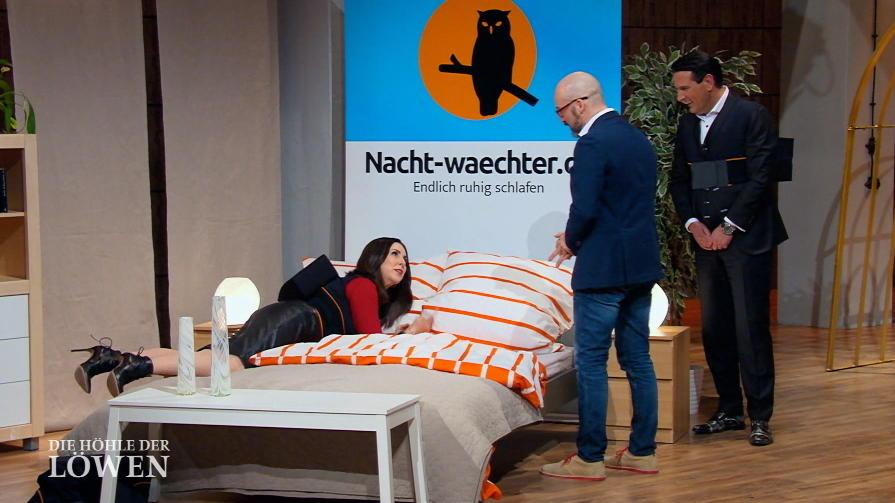 die h hle der l wen 2016 die nachtwaechter schlafweste. Black Bedroom Furniture Sets. Home Design Ideas