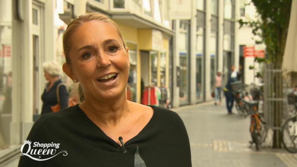 Shopping Queen Kandidatin Kirsten Ist Inhaberin Einer Modeboutique
