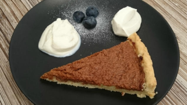 Rezept: Treacle tart with clotted cream