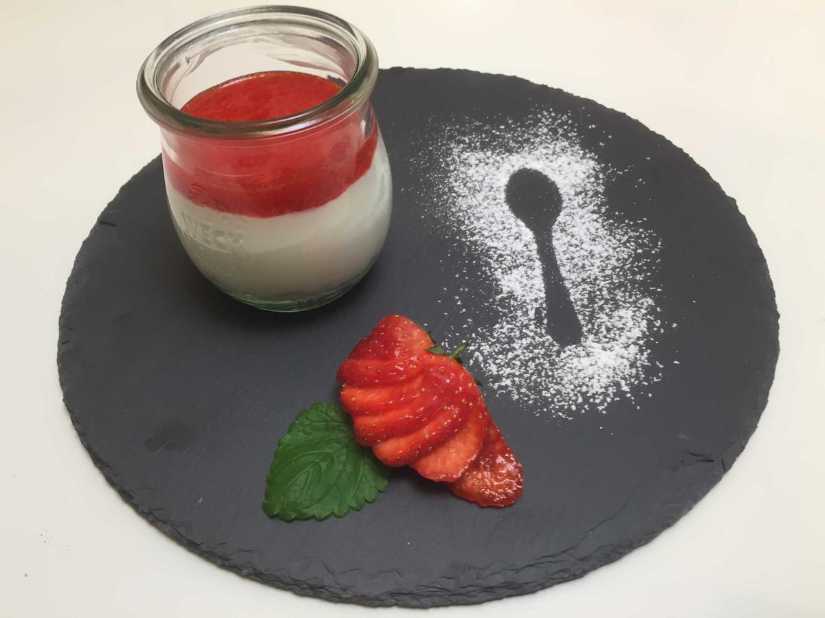 das perfekte dinner rezepte cheesecake dessert mit erdbeerso e. Black Bedroom Furniture Sets. Home Design Ideas