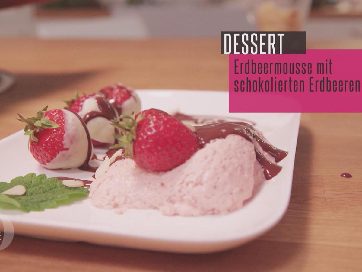 das perfekte dinner rezepte frische felderdbeeren an schokolierten erdbeeren mit erdbeermousse. Black Bedroom Furniture Sets. Home Design Ideas