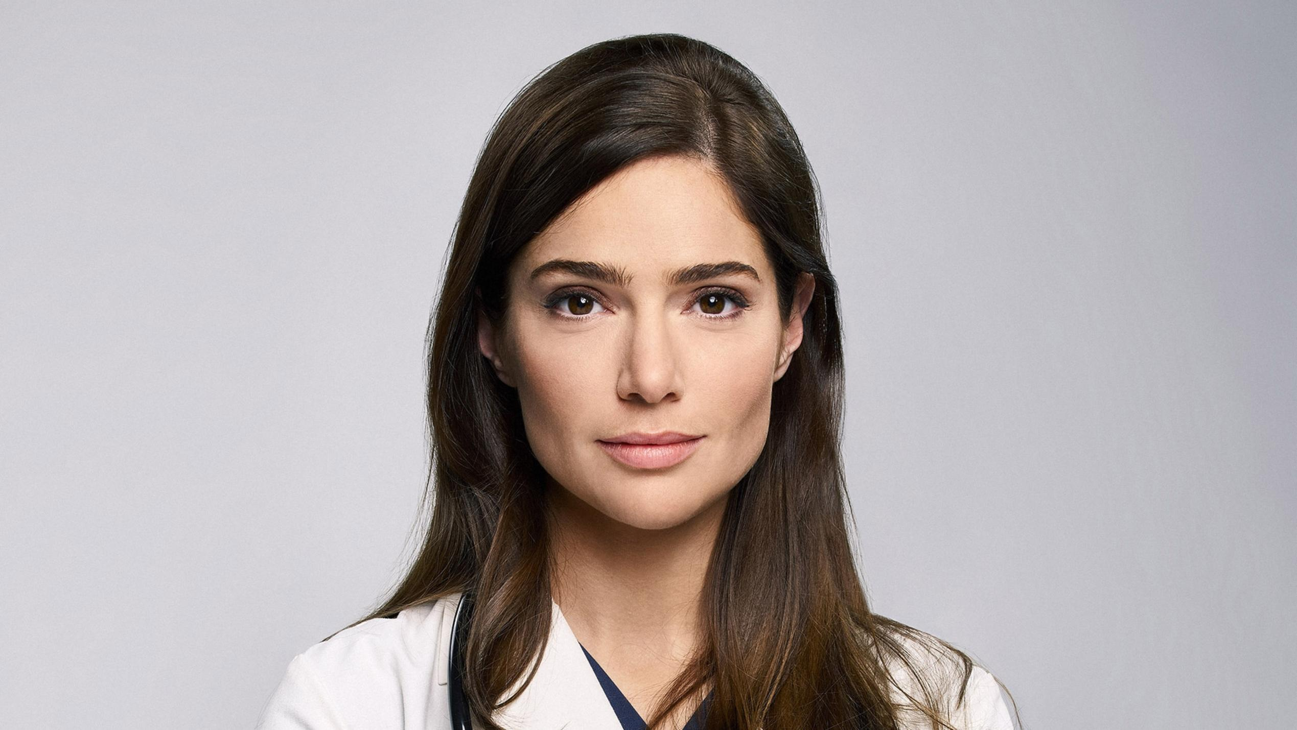 Dr. Lauren Bloom (Janet Montgomery)