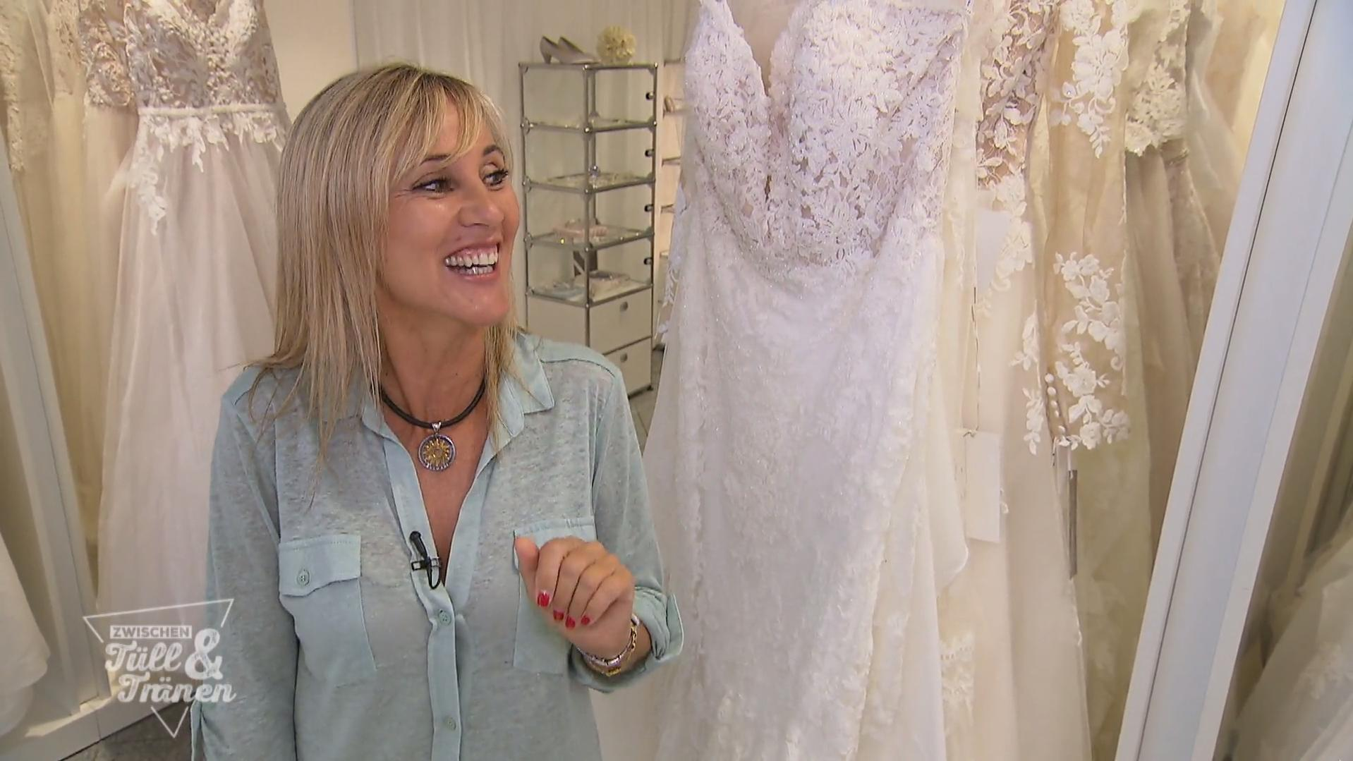Zwischen Tüll und Tränen: Brautkleid-Crashkurs bei Marie Bernal
