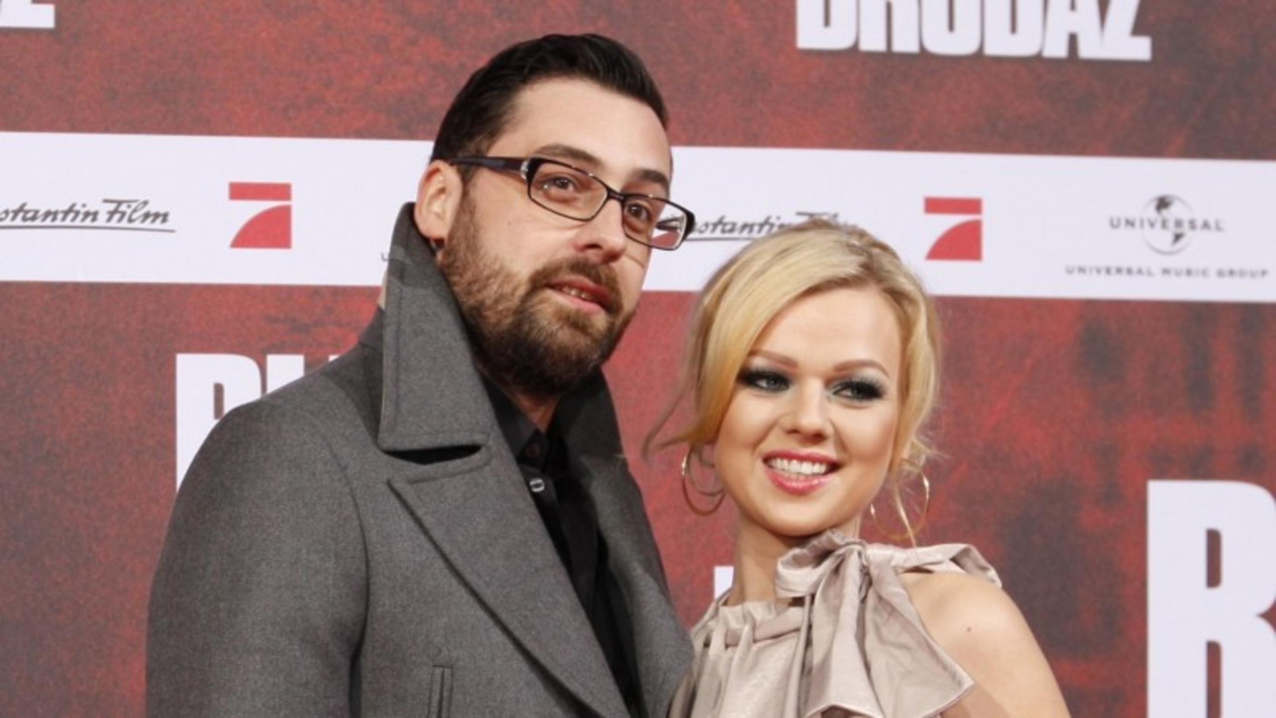 Sidos Ex-Freundin Doreen ohne BH & mit XXL-Ausschnitt