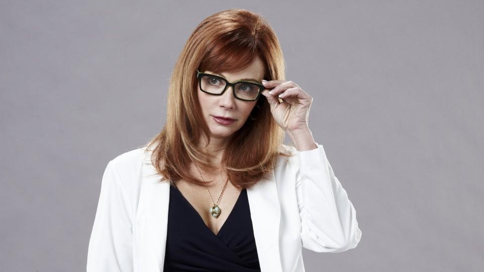 Dr. Betty Rogers (Lauren Holly) VOX/NCB Universal