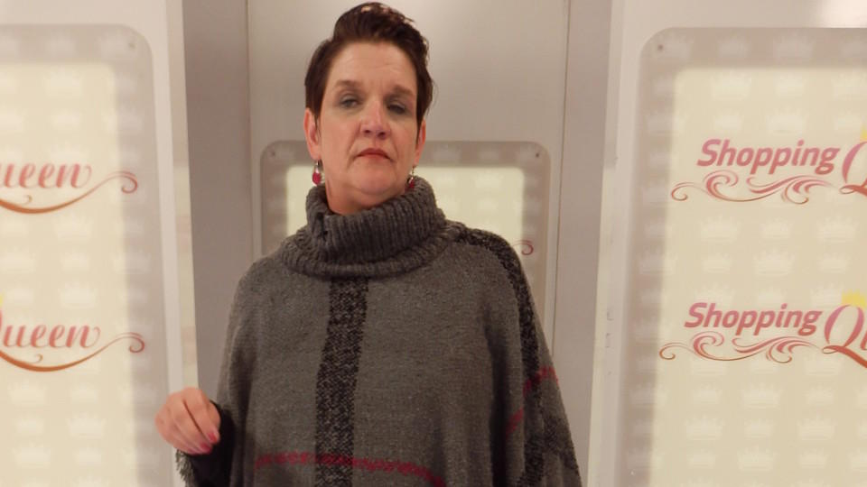 "Birgit im Poncho bei ""Shopping Queen"""