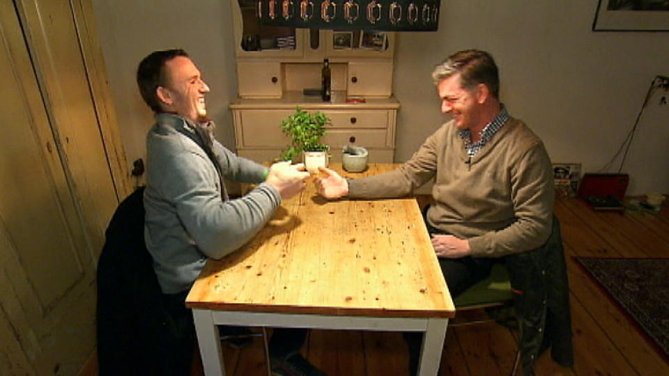 mieten kaufen wohnen matthias 39 rechter arm macht den makler sprachlos. Black Bedroom Furniture Sets. Home Design Ideas