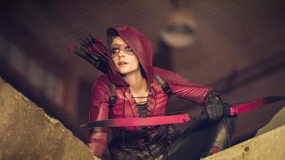 Arrow: Willa Holland spielt Thea Queen - Olivers jüngere Schwester