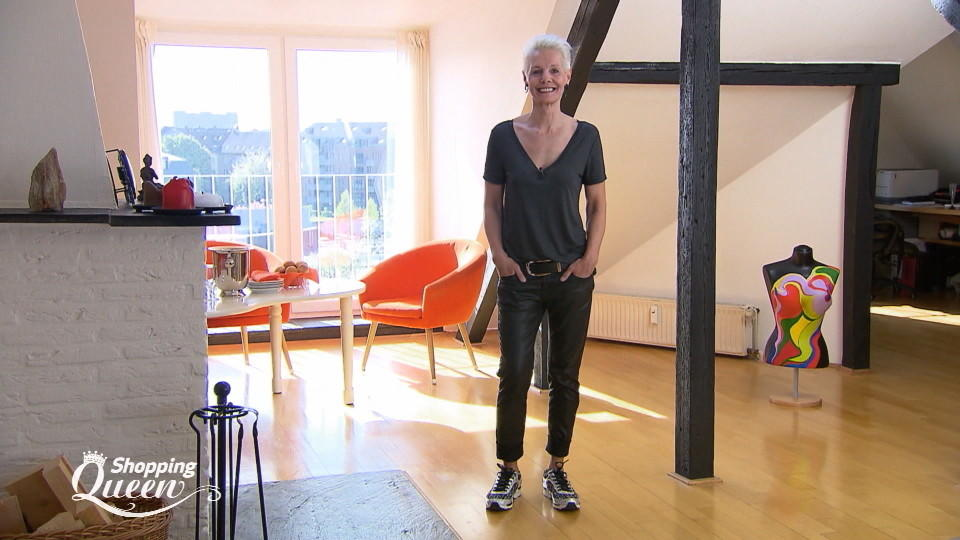 shopping queen mo aus d sseldorf im style check. Black Bedroom Furniture Sets. Home Design Ideas