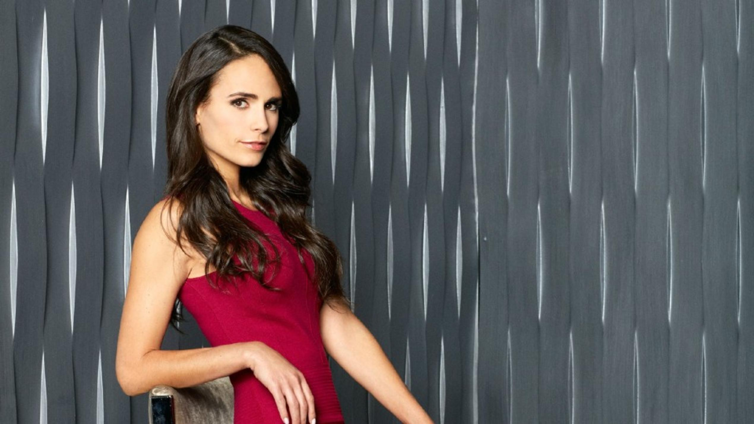 Secrets and Lies: Kate Warner gespielt von Jordana Brewster
