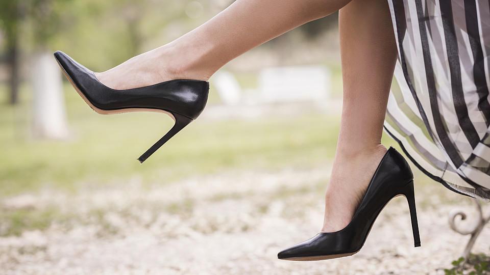 high heels auf die h he kommt es an. Black Bedroom Furniture Sets. Home Design Ideas