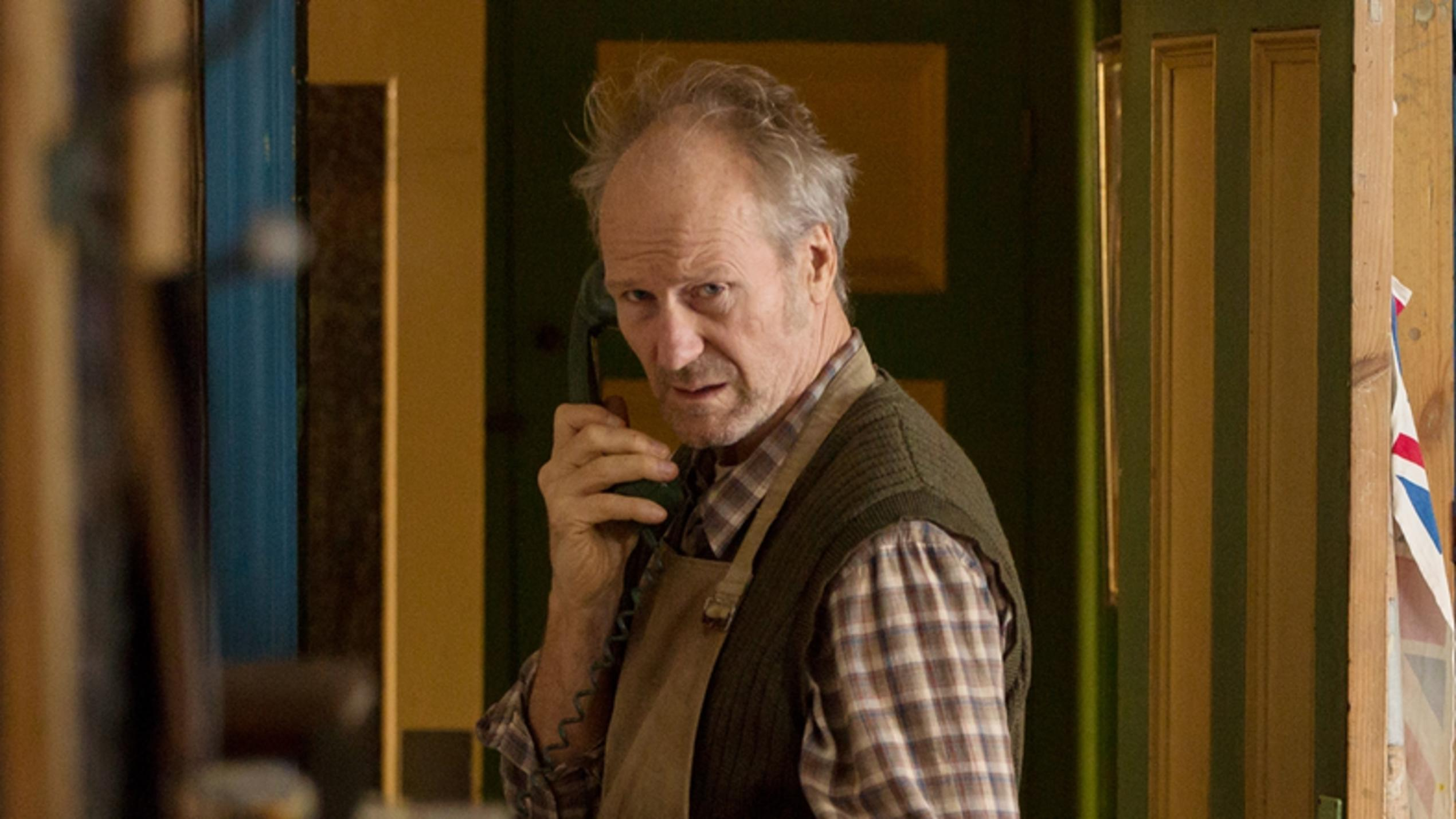 Witwer George (William Hurt)