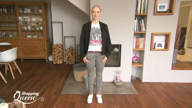 """Shopping Queen""-Kandidatin Alex im Style-Check"