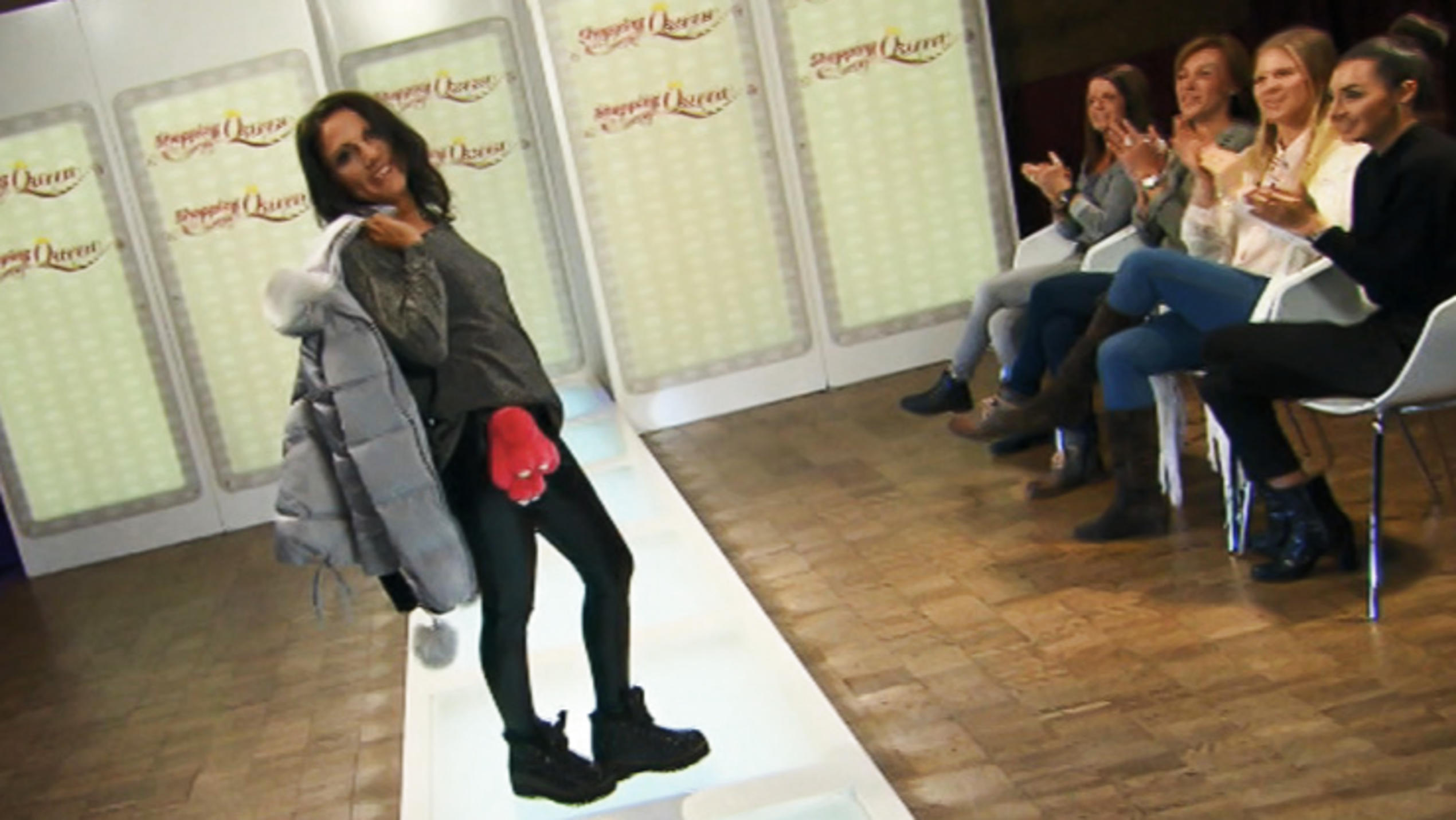 "Halli auf dem ""Shopping Queen""-Catwalk"