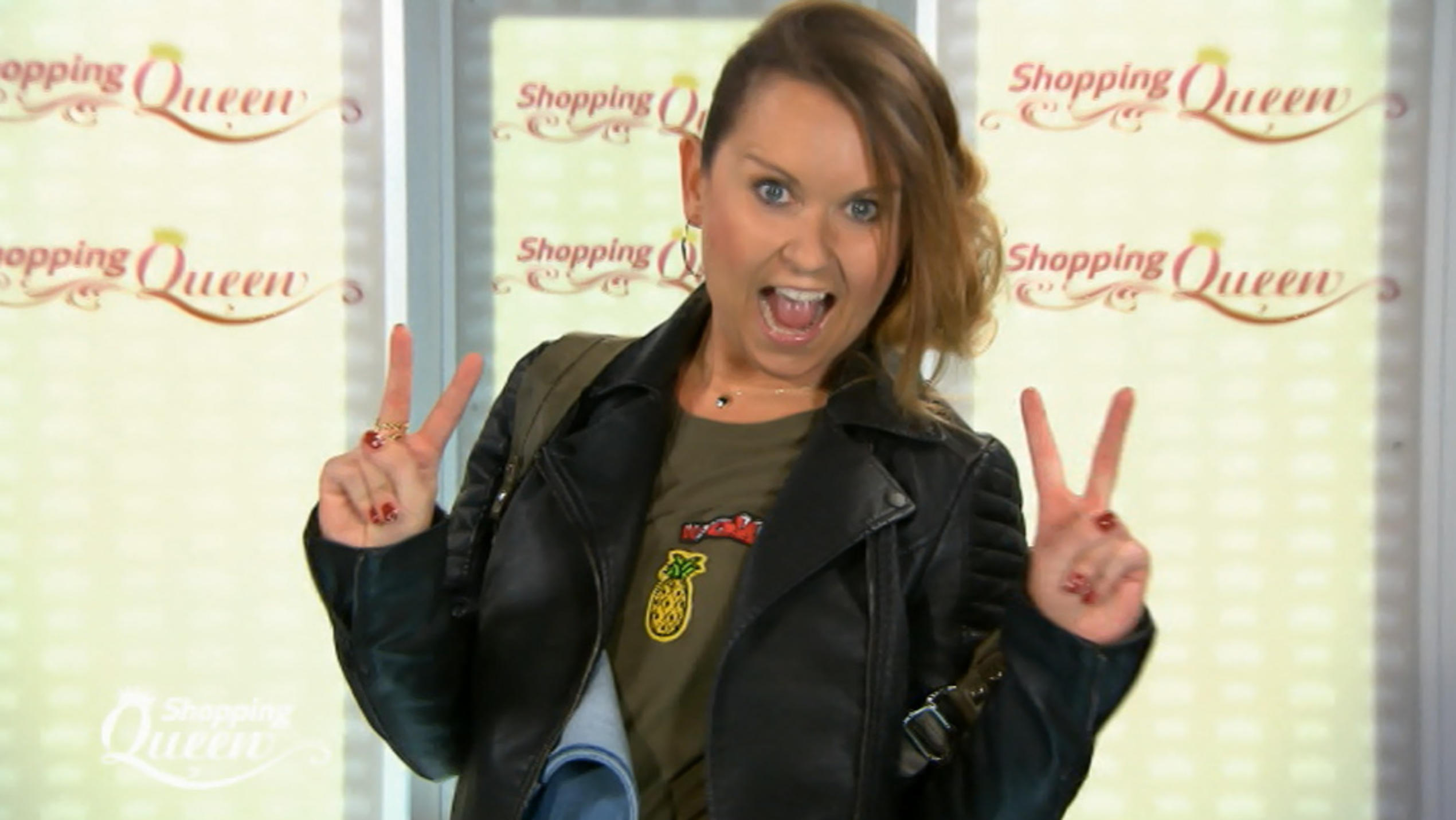 """Shopping Queen""-Kandidatin Agi auf dem Catwalk."