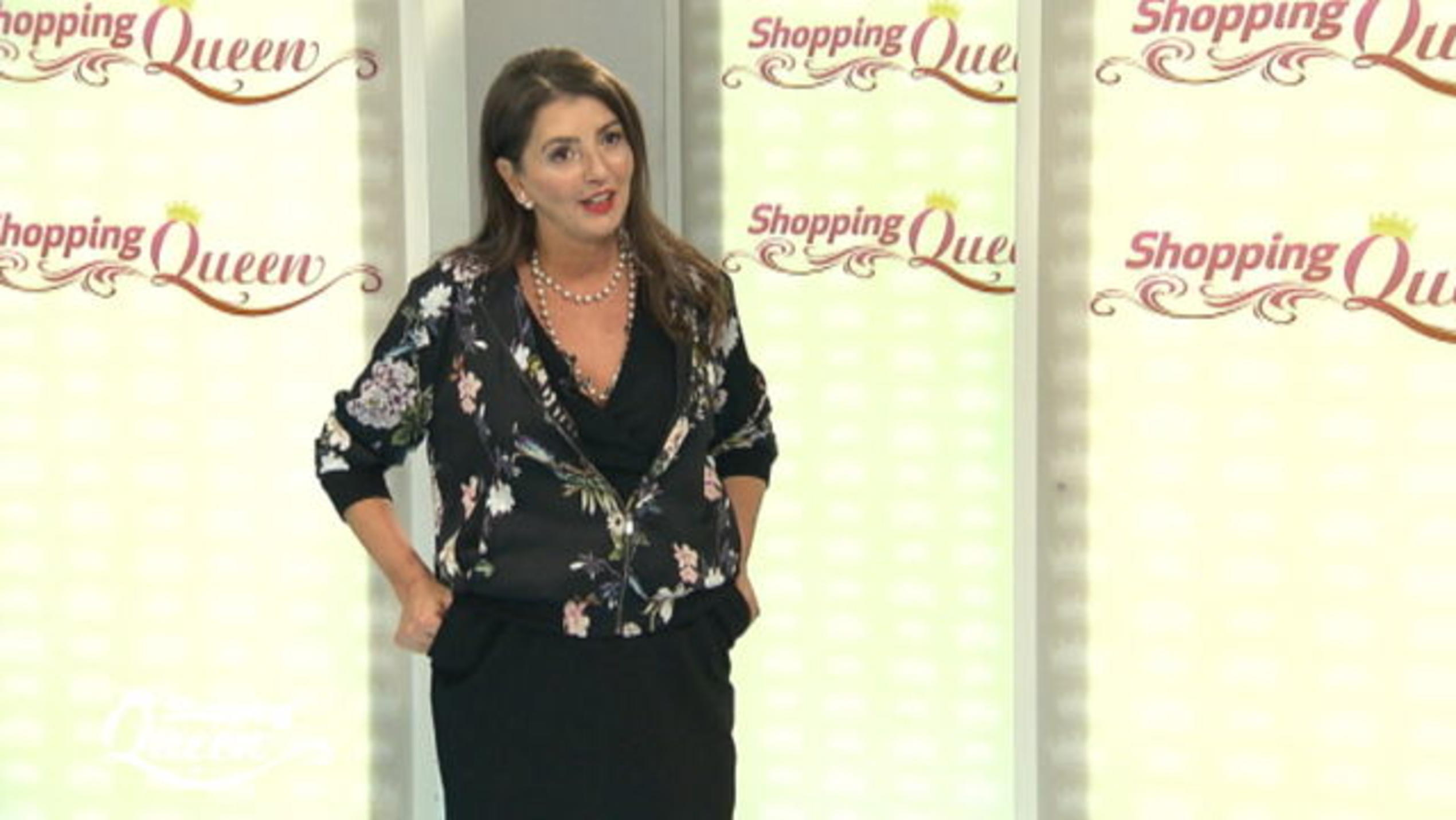 """Shopping Queen""-Kandidatin Anna auf dem Catwalk"