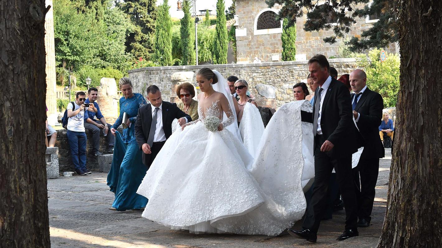 Victoria Swarovski: Shitstorm für 13.13 Euro teures Luxus-Brautkleid