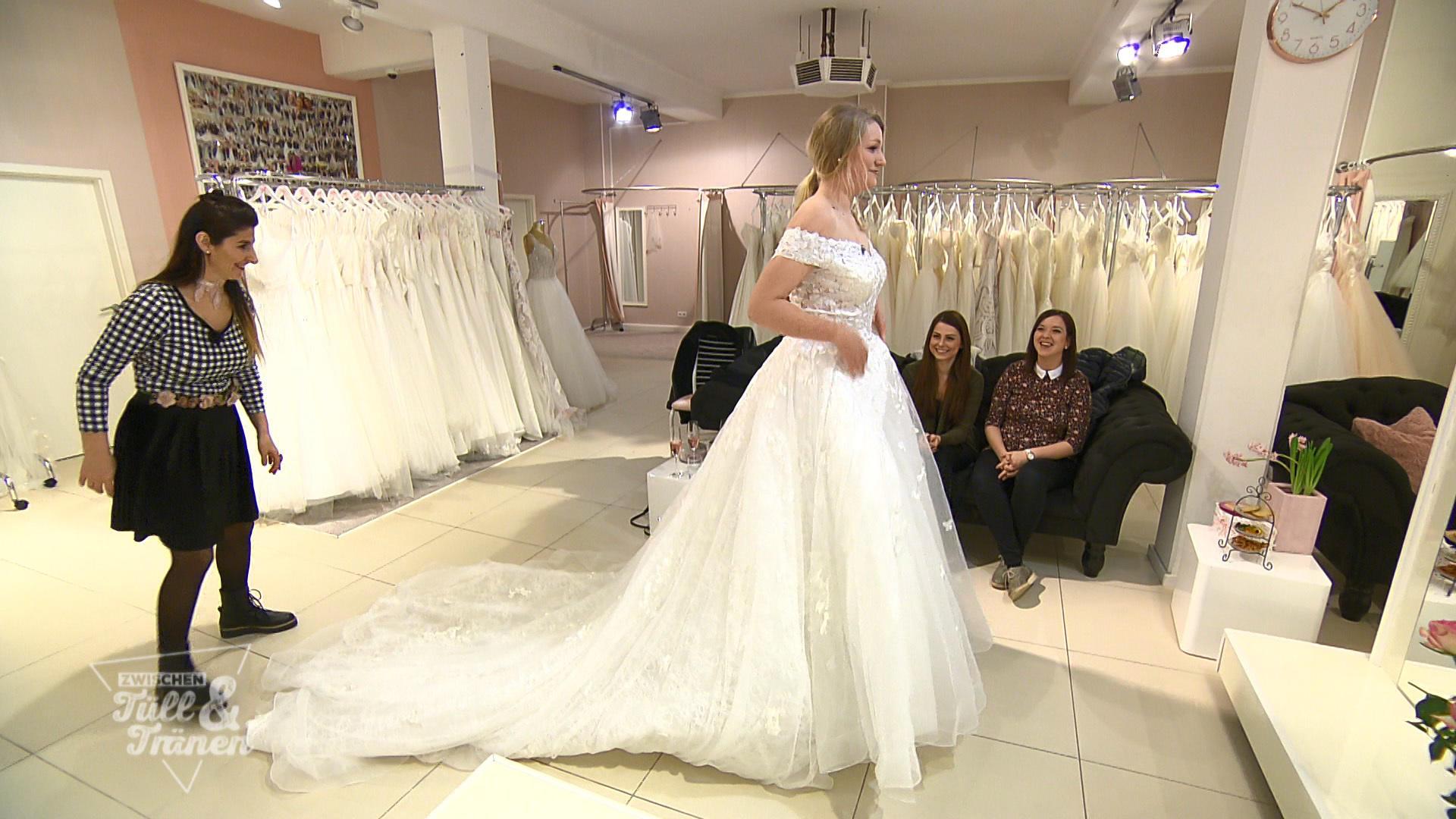Das Brautkleid soll kaschieren