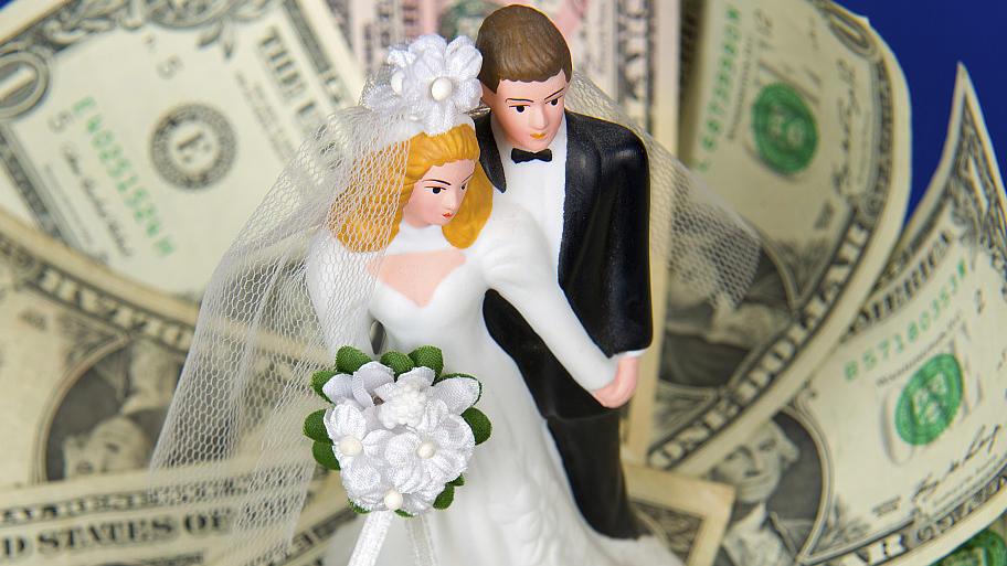 Brautpaar Beschwert Sich über Zu Geringes Geldgeschenk
