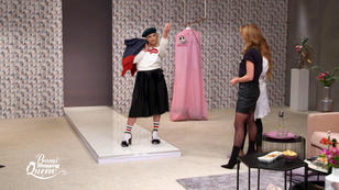 promi shopping queen sophie hermann klaut eine schere. Black Bedroom Furniture Sets. Home Design Ideas