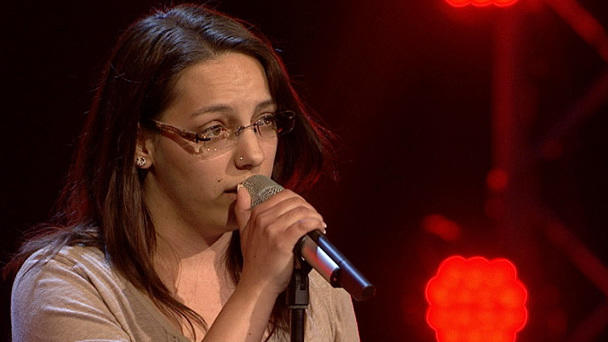"Melissa Heiduk singt ""Breathe Easy"""