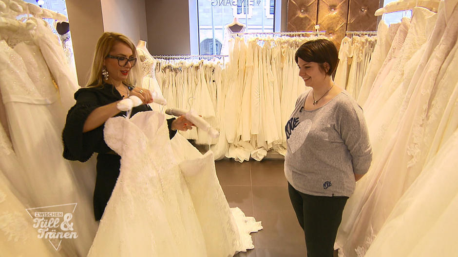 Zwischen Tull Und Tranen Braut Patricia Sucht Ein Kleid Fur Die