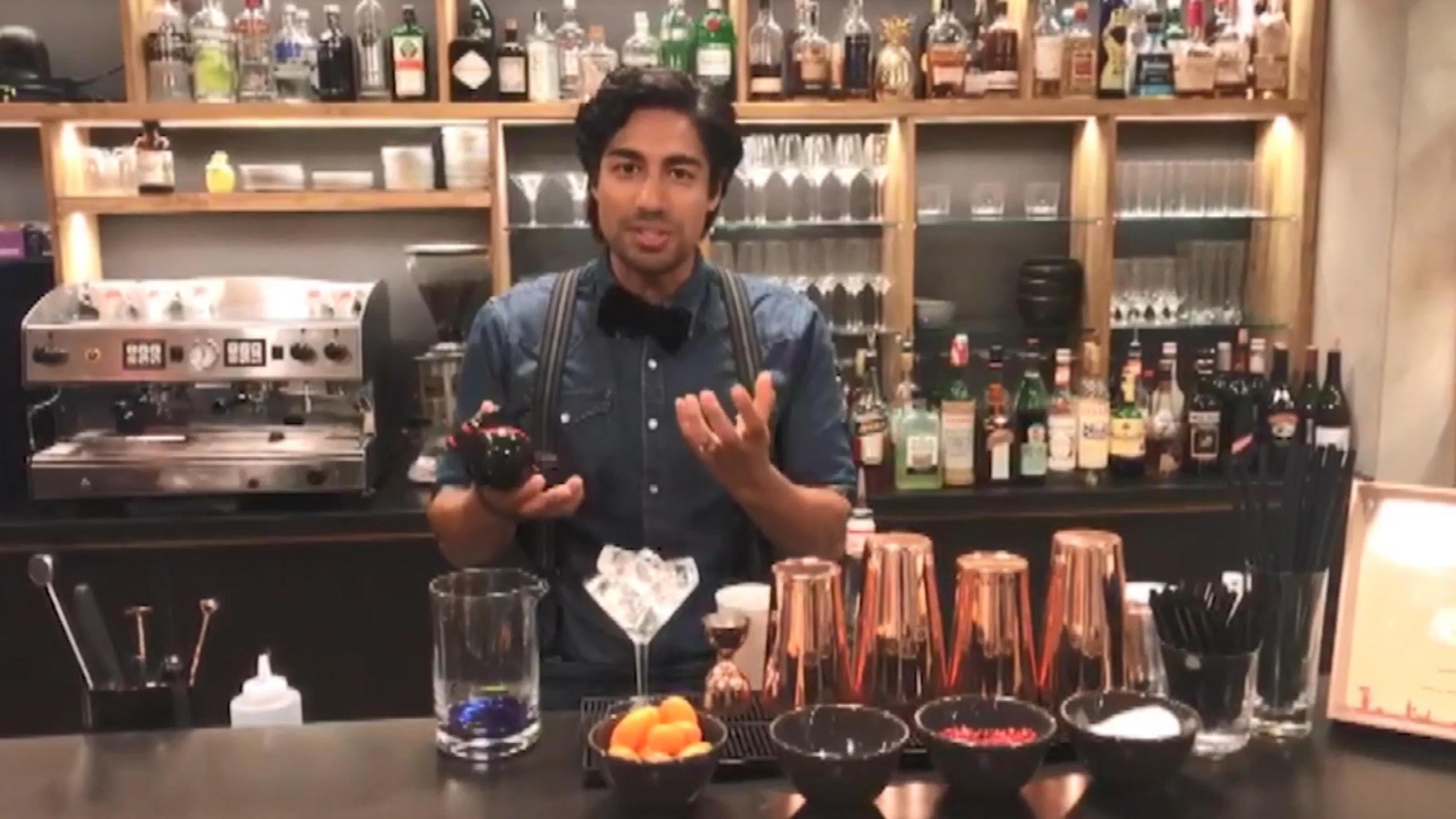 First Dates Barkeeper