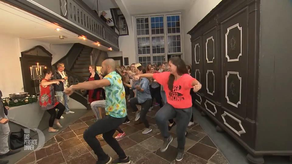 Cooler Zumba-Flashmob in Lauras Hansehaus