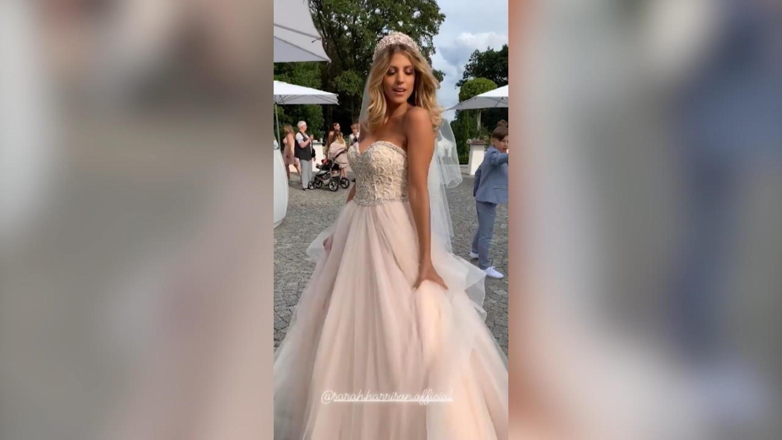 sarah harrison: hochzeit in drei kleidern