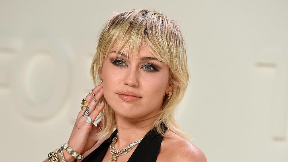 Miley Cyrus nackt in der Badewanne: Sexy Schnappschuss